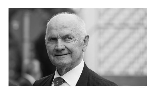 Volkswagen Group's Piech Dies at 82