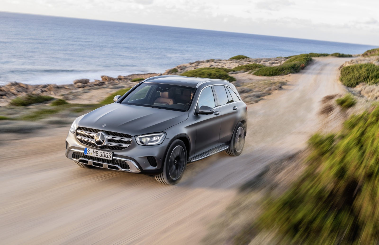 HEY MERCEDES. THE MERCEDES-BENZ GLC 350e 4MATIC Review.