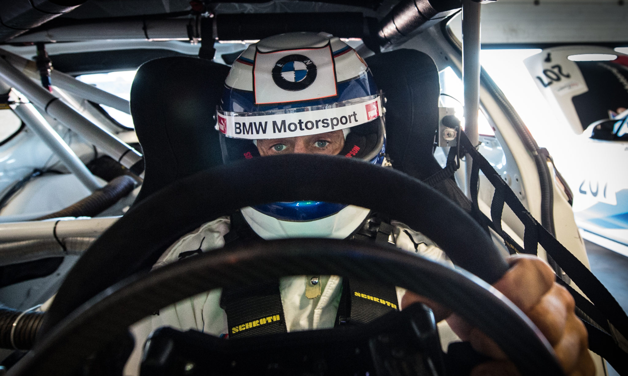 Alessandro Zanardi Returns to the driver's seat for BMW Team Italia!