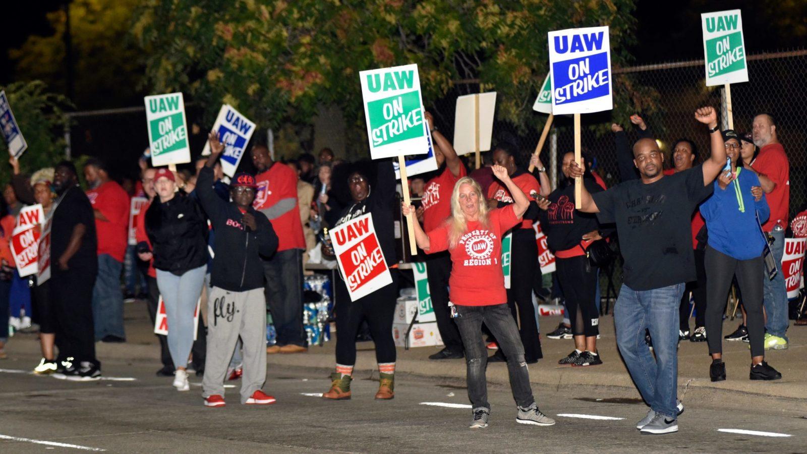 UAW Declares National Strike Against GM