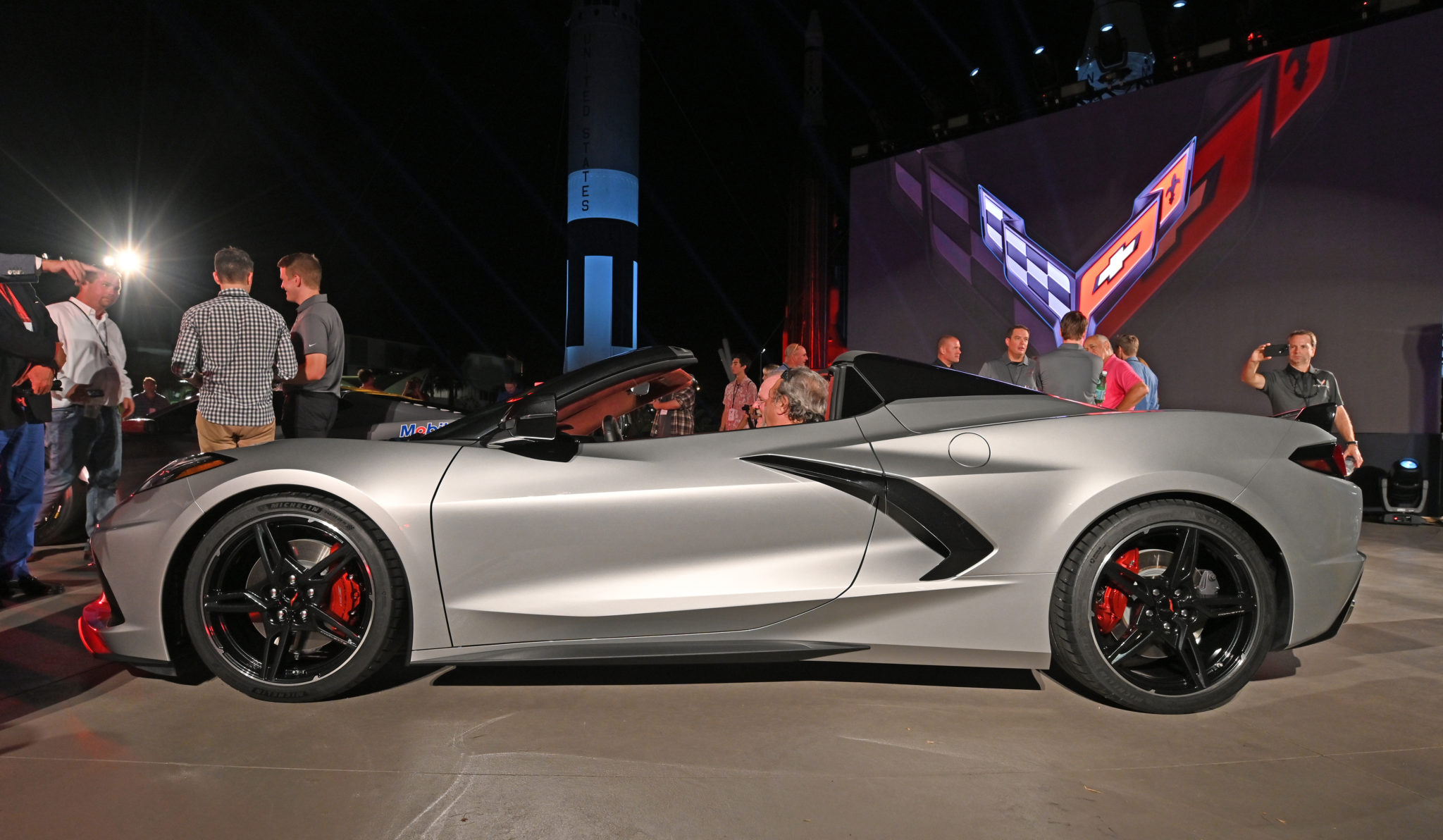 Napleton News – FIRST VIEWS OF THE CORVETTE STINGRAY C8 CONVERTIBLE
