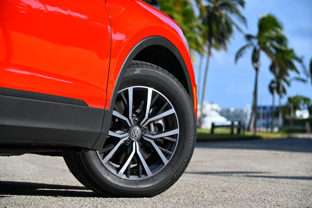 SE 17-inch wheel