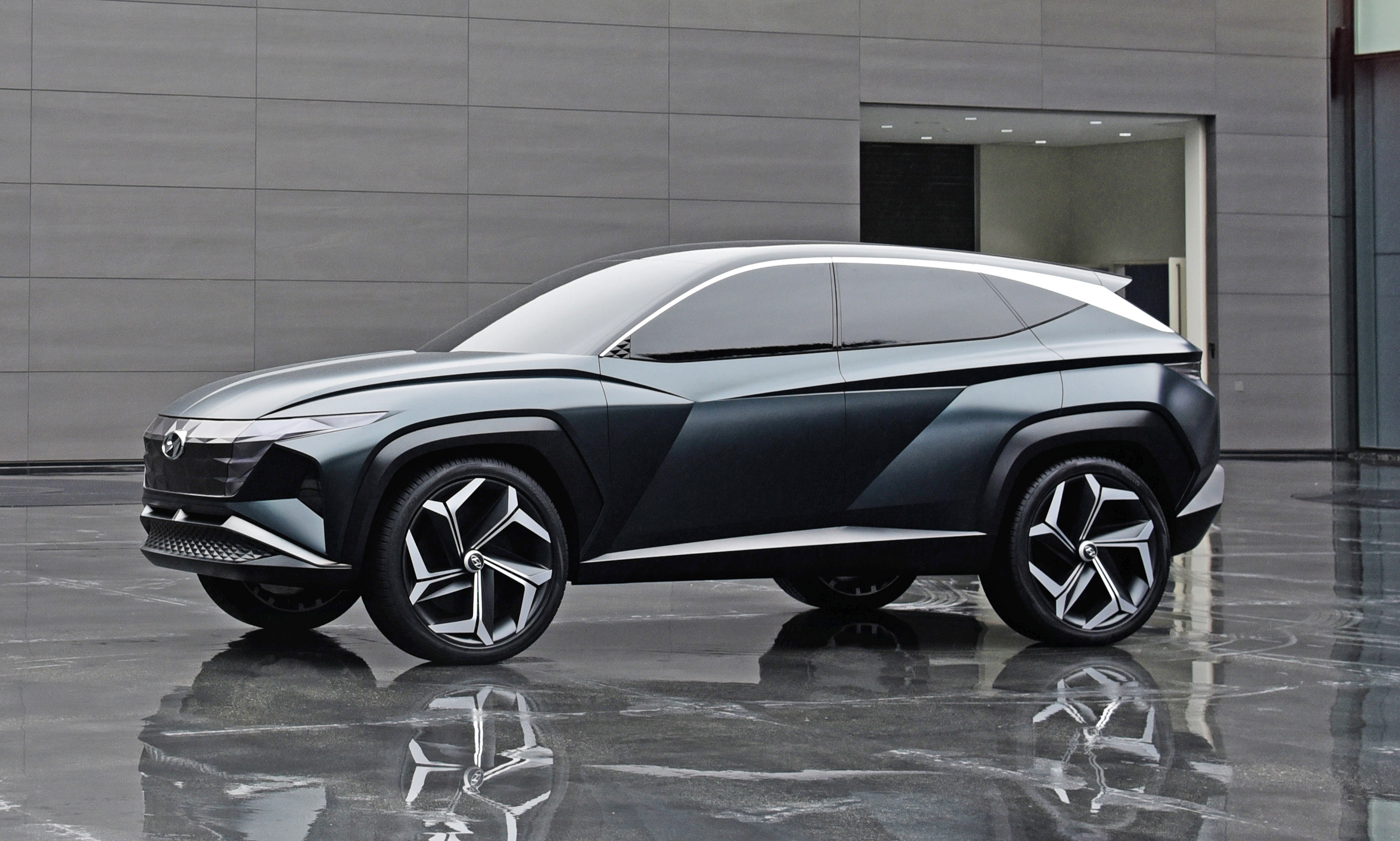 Hyundai Vision T Concept driver-side view