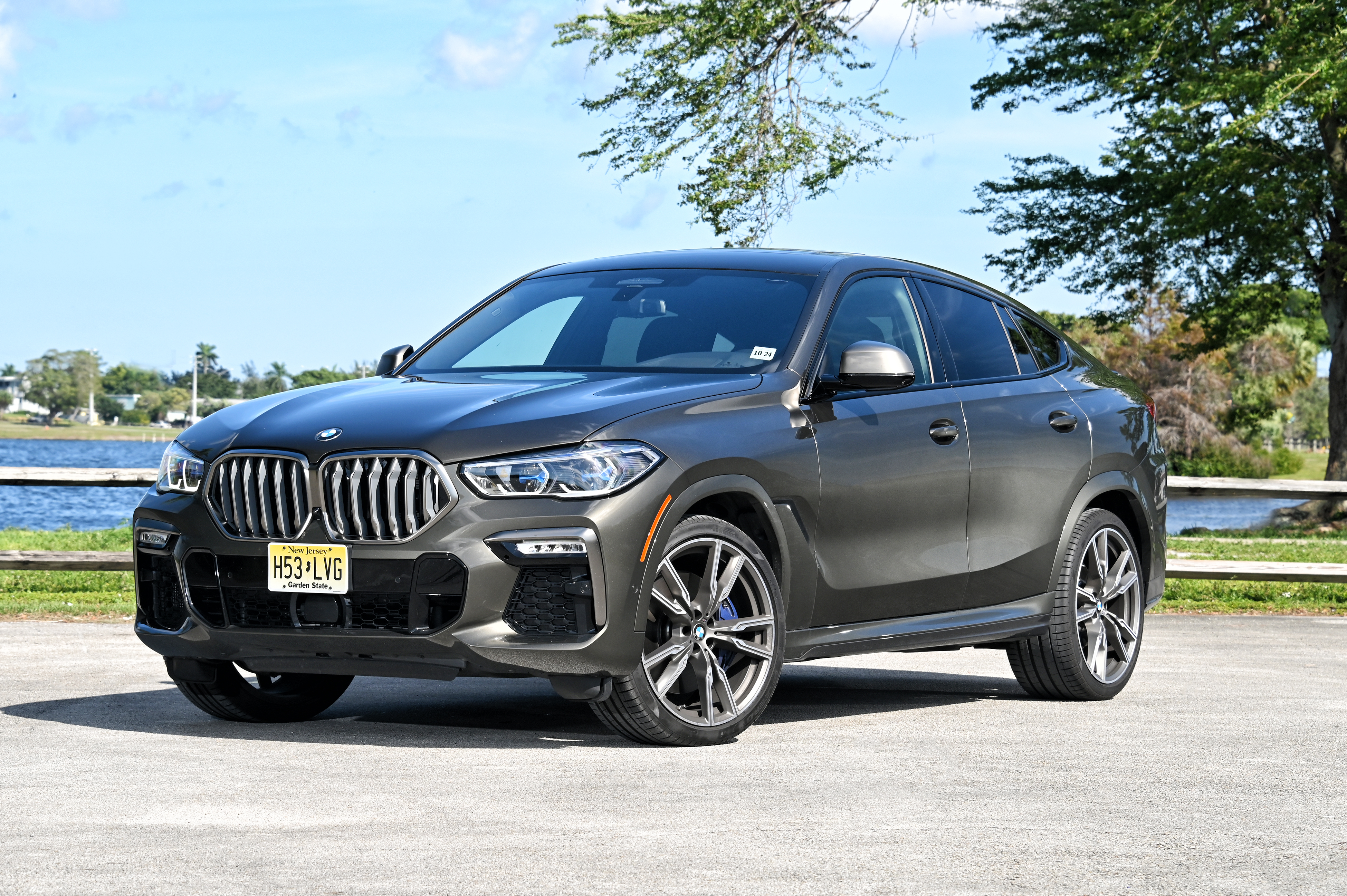 BMW X6 M50i hero pose