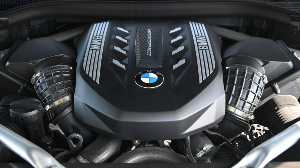 BMW V8