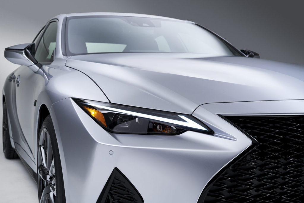 Lexus IS headlamp