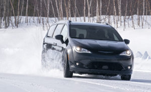 THE CHRYSLER PACIFICA AWD: FALL ARRIVES EARLY