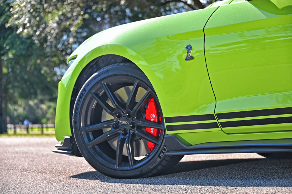 shelby GT500 brembo