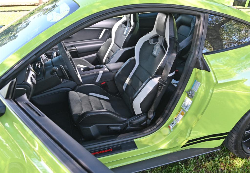 GT500 seats