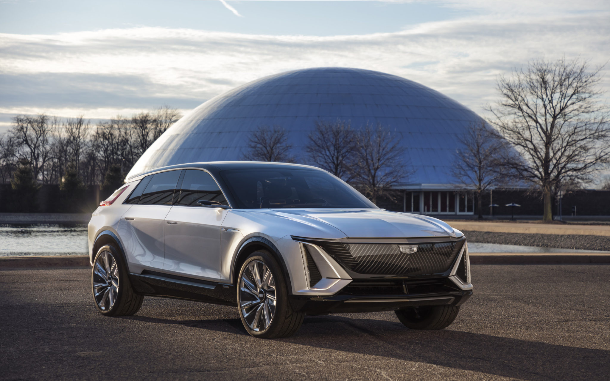 NEW CADILLAC LYRIQ POINTS TO GENERAL MOTORS' FUTURE