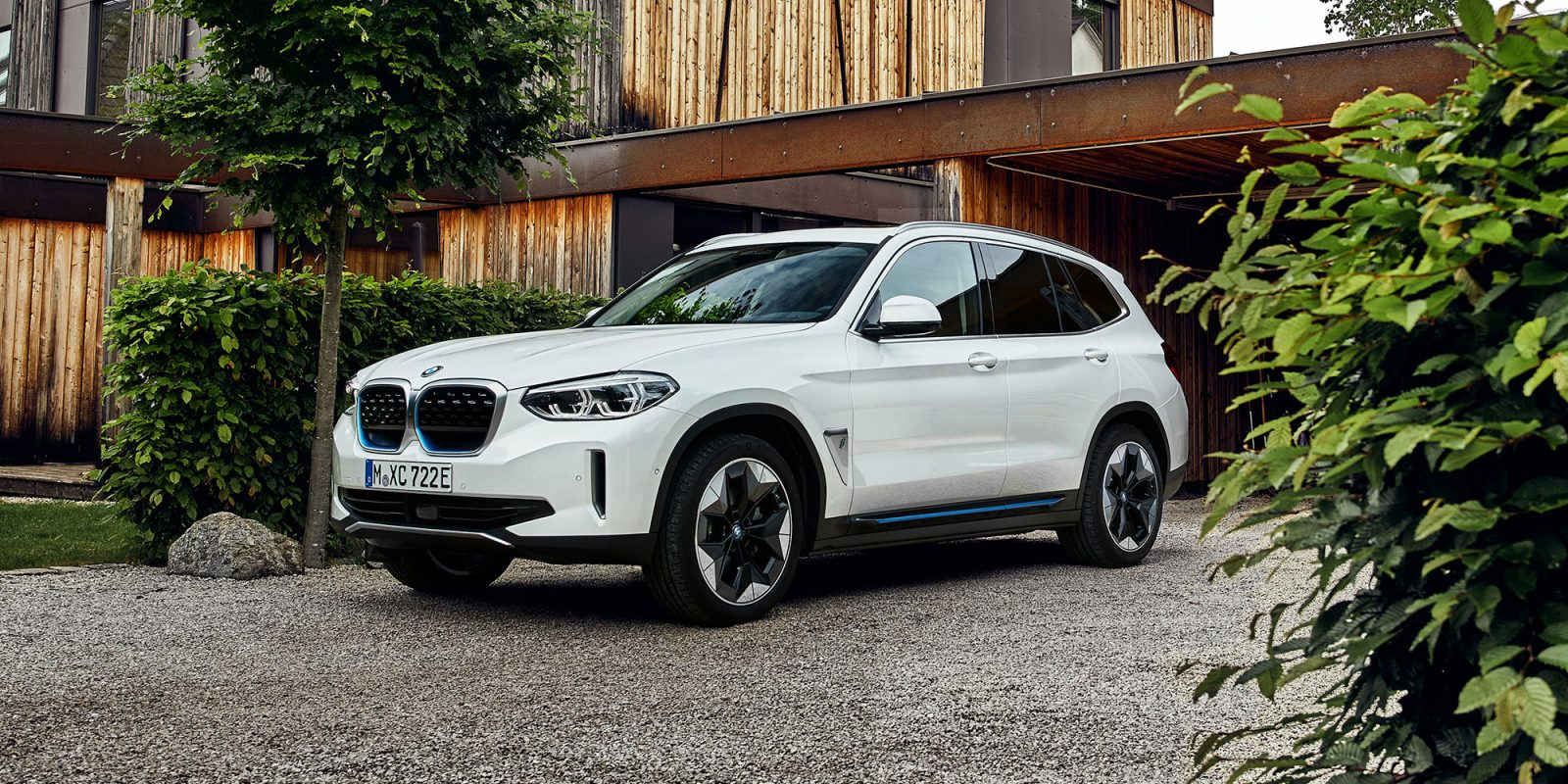 2021 BMW iX3 Is An All-Electric SUV That Impresses