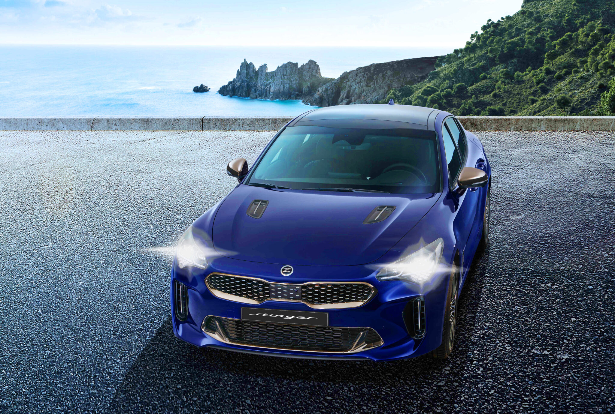 THE KIA STINGER MUSCLES UP FOR 2022