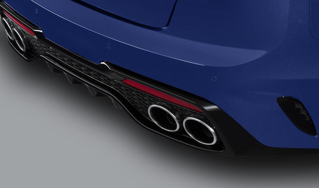New Stinger rear splitter