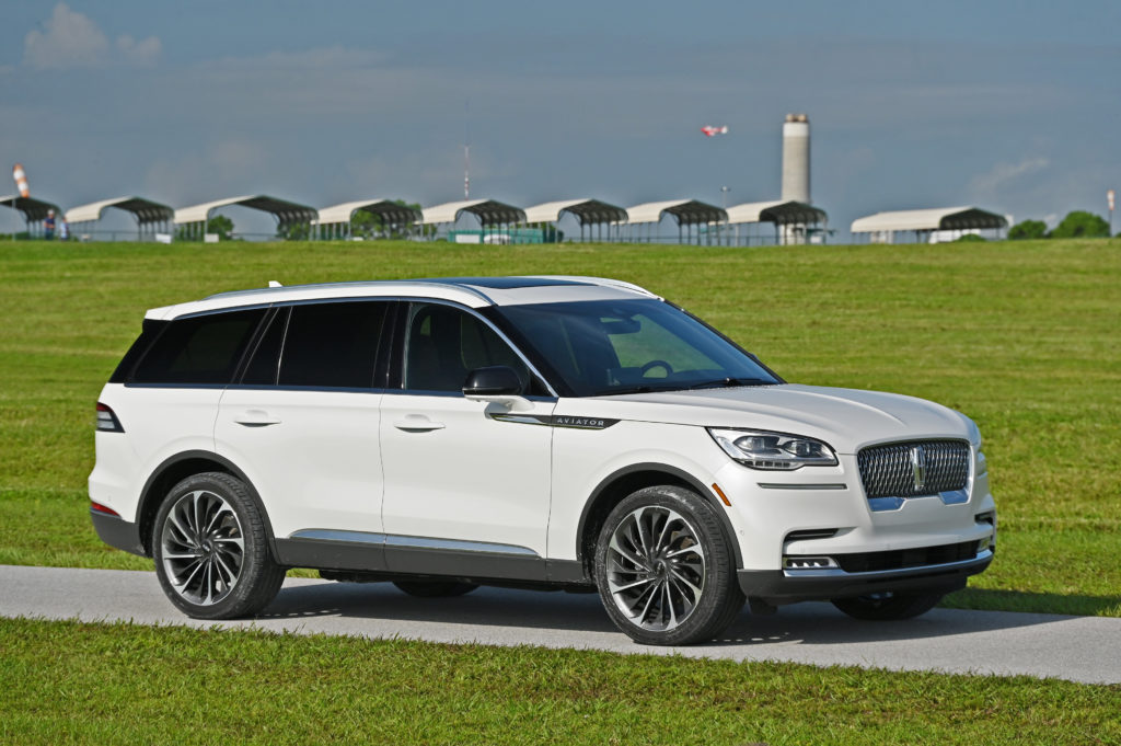 Lincoln 3/4 Side view Aviator Reserve