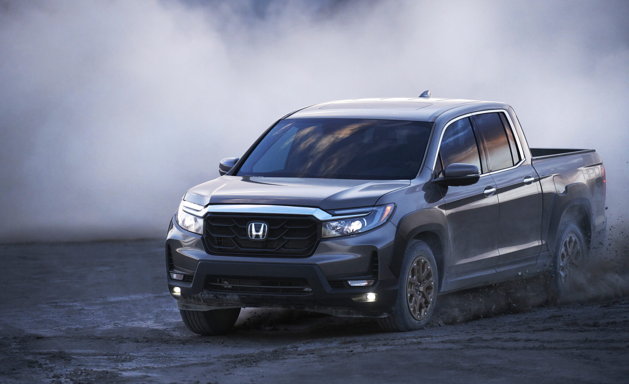 NEW HONDA RIDGELINE CUTS AN IMPOSING FIGURE