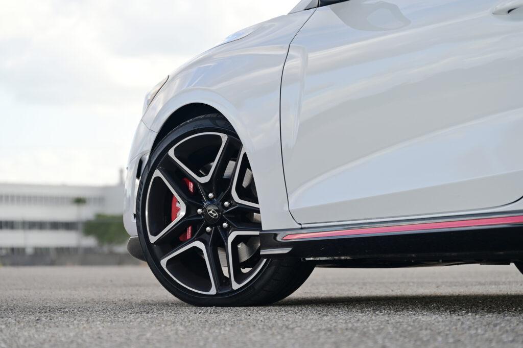 Front Veloster wheel